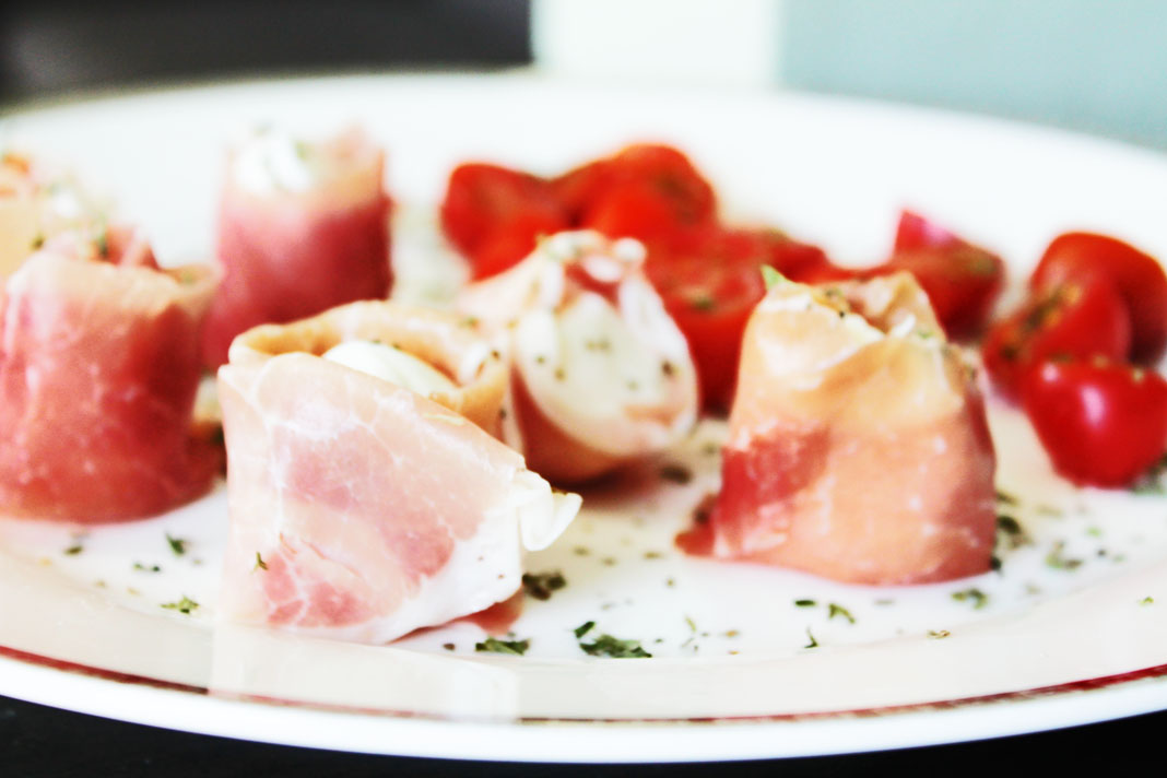 clean eating recipes - prosciutto and mozzarella