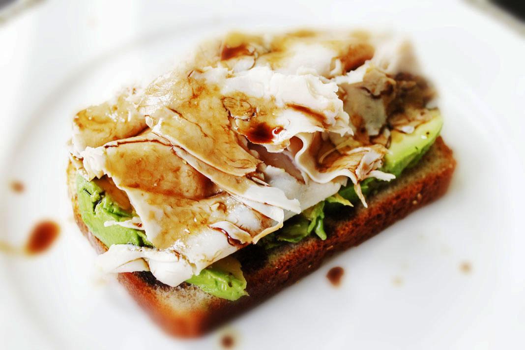 clean eating recipes - turkey avocado sandwich