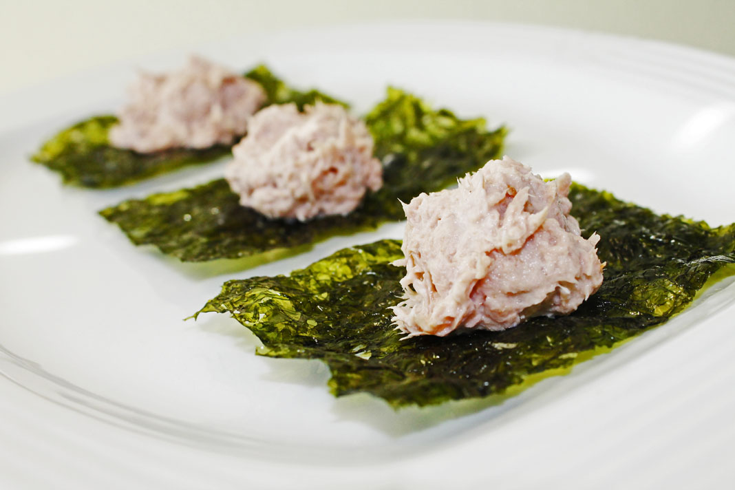 clean eating idea - tuna over seaweed 2