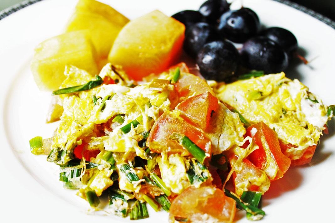 clean eating recipes tomato onion eggs 2