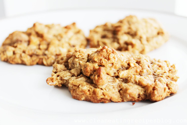 Clean Eating Dessert - Oatmeal Peanut Butter Cookies